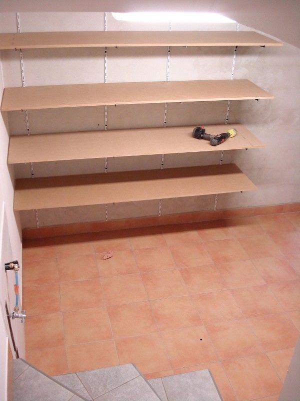 am nagement du cellier. Black Bedroom Furniture Sets. Home Design Ideas
